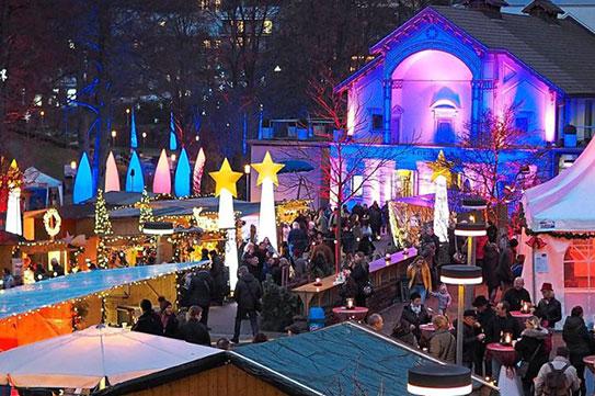 Bad Wildbader Weihnachtsmarkt bietet am Wochenende eine stimmungsvolle Atmosphäre im Kurpark